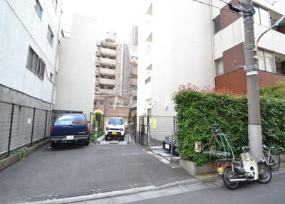 【駐車場】アパートメンツタワー麻布十番