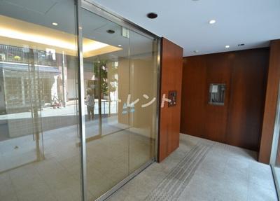 【エントランス】アパートメンツタワー麻布十番
