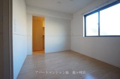 【寝室】エミリオ・クレストA