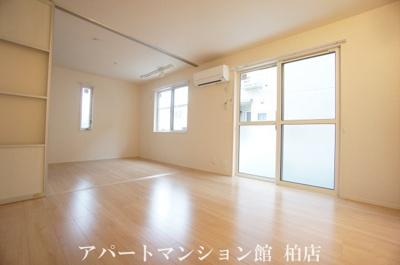 【居間・リビング】オーク大島田A
