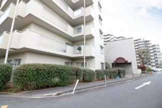上野芝駅徒歩6分 便利な立地のマンションです