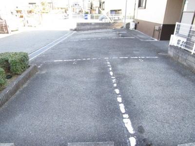 【駐車場】グランシャリオA