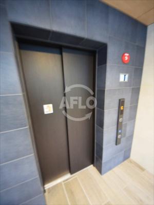 イニシアブランなんば エレベーターホール