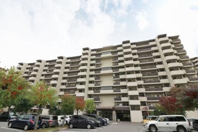 【現地写真】 鉄筋コンクリート造11階建て♪ 総戸数340戸♪