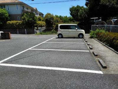 【駐車場】ウッズ・イン・ホーム