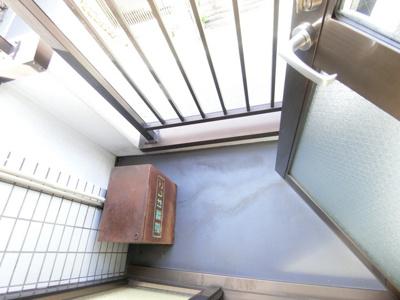 洋室7.8帖のお部屋から繋がるバルコニーです♪お洗濯物を干したり、気分転換をするにも最適です☆