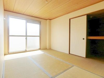 和室(日当たり良好^^)