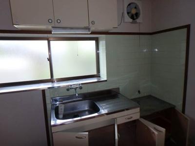 【キッチン】南久米乃万借家(2階建て)・