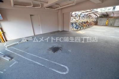 【駐車場】三福ロイヤルマンション