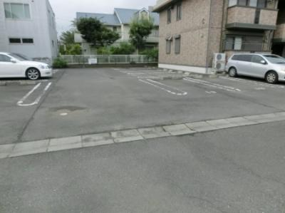 【駐車場】リビングタウン松代D