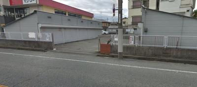 【外観】森シャッター付きガレージ