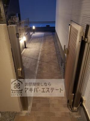 【エントランス】Crecia岩槻B棟