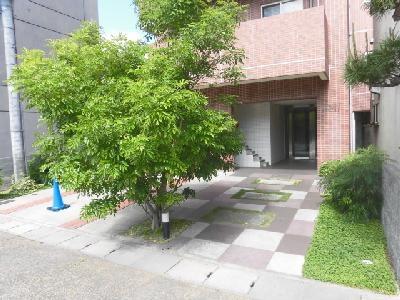 【エントランス】Forest court(フォレストコート)