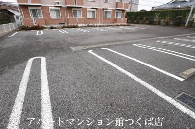 【駐車場】レフィナード春日A