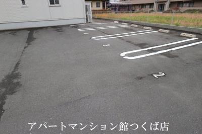 【駐車場】アクシア