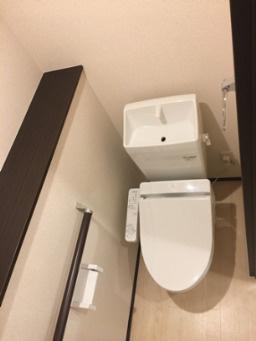 【トイレ】ガーデンとねりこ