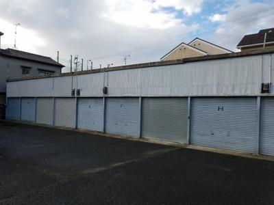 【外観】小谷シャッター付倉庫