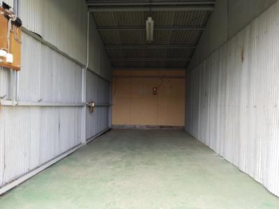 【内装】小谷シャッター付倉庫