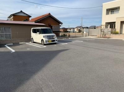 駐車場です 【COCO SMILE ココスマイル】