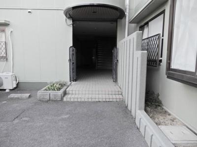 【エントランス】メゾンブライト