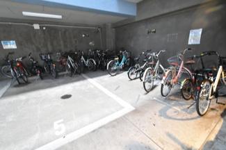 ルエメゾンロワール西公園IIIーI号館の駐輪場です