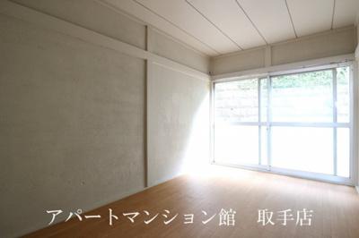 【居間・リビング】アルチェ白山