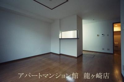 【玄関】ルミエールA