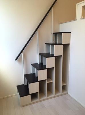 ハーモニーテラス柴又Ⅳの収納階段