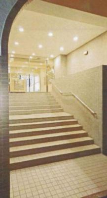 エントランスへの階段です