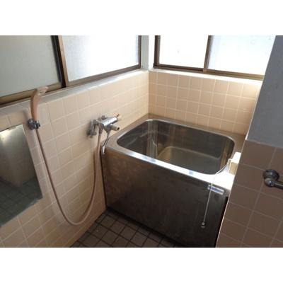 【浴室】西町一戸建住宅
