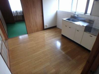 【居間・リビング】北久米町631-2貸家