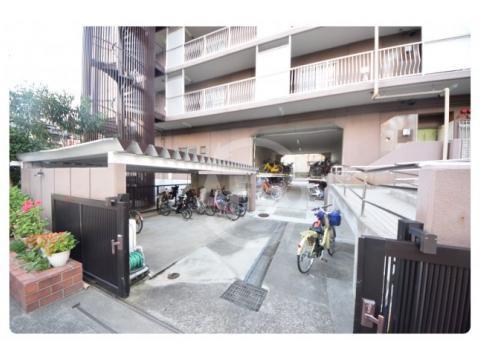上本町ガーデンハイツ 駐輪場