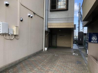 【エントランス】ユニデンス貝塚