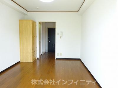 【居間・リビング】アーバンネストヨシダ
