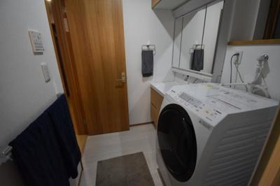 洗濯乾燥機ついております。