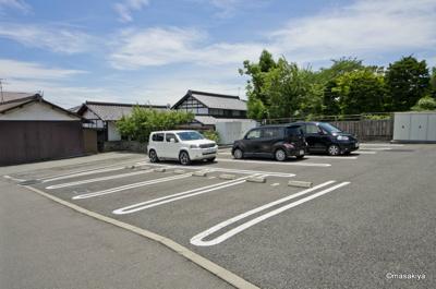 駐車場 2台可能です。