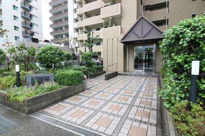 【エントランス】ステイツ六甲道フラッツ