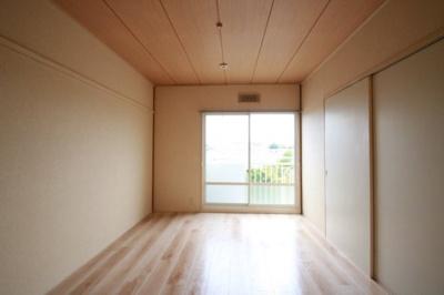 【寝室】サンライフ山野B