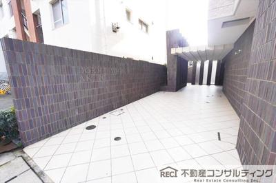 【駐車場】ドルフ兵庫アクツィオ