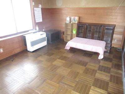 【居間・リビング】能代市追分町・中古店舗兼住居