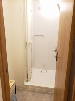 シャワールーム完備。シェアハウス本厚木