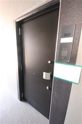 【玄関】プレサンス堺筋本町駅前シェル