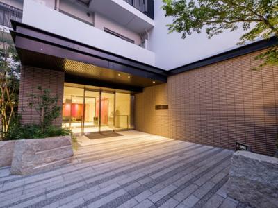 【エントランス】ザ・パークハウス千歳烏山グローリオ サザンコート