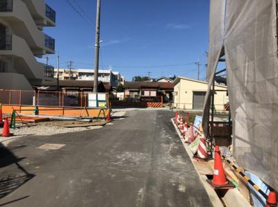 現地(2020年1月)撮影 解体完了しました!! 前面道路、広々6メートル♪