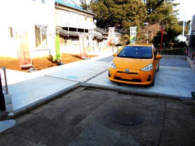 駐車場です。駐車場並列3台。可能。車種によります。・岩槻駅徒歩14分・駐車場3台並列・南向き・4LDKとルーフバルコニ-・西原小・西原中・67坪・