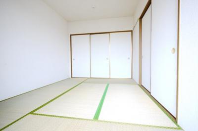 畳のお部屋は和みますね
