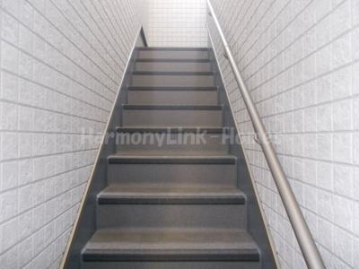 ハーモニーテラス千住仲町の階段