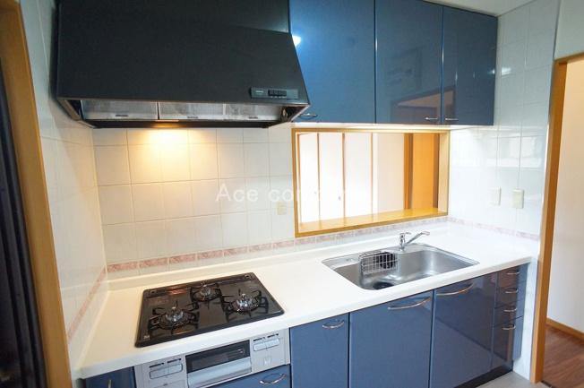 便利な3WAYキッチン、3方向に移動でき家事効率UPです。