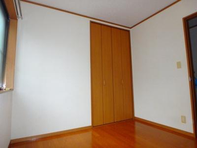 他のお部屋の参考写真となります。
