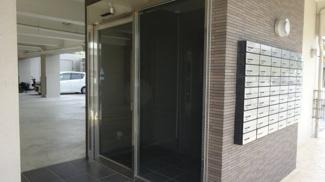 集合ポスト エレベーターホール出入口